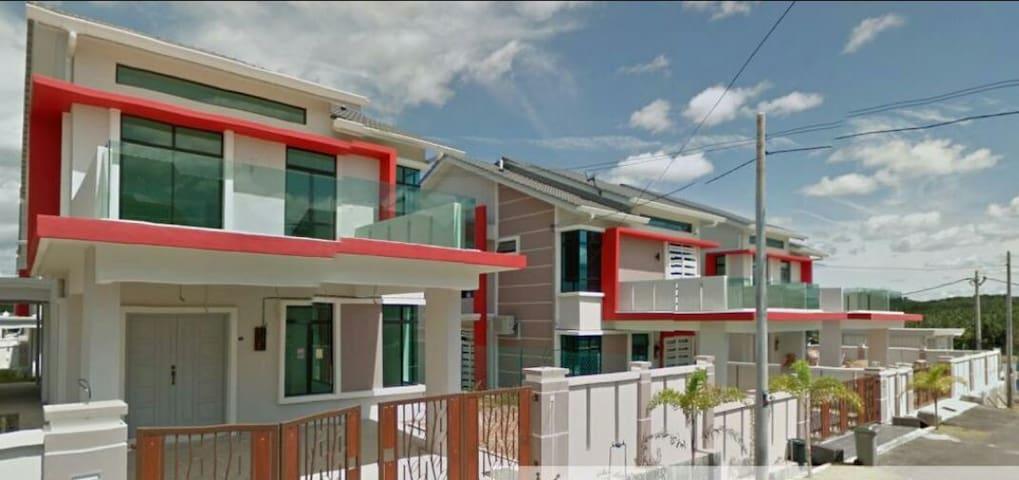 独立式度假屋 全新的家居 大自然环绕 - Malacca - Hus