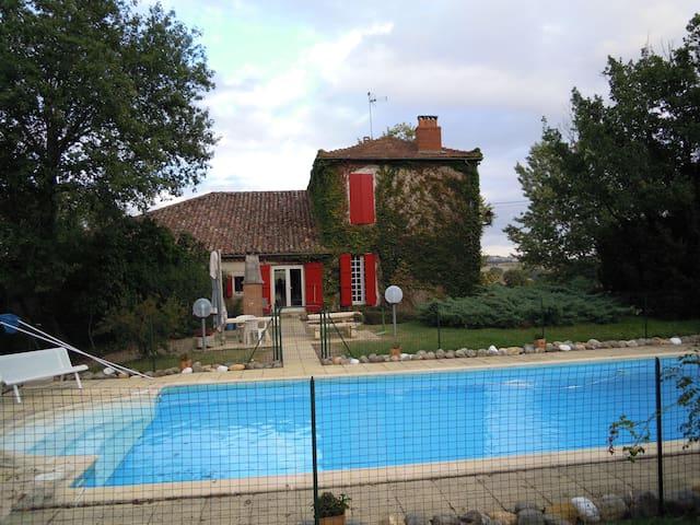 Ferme gasconne avec piscine - Maignaut-Tauzia - Hus