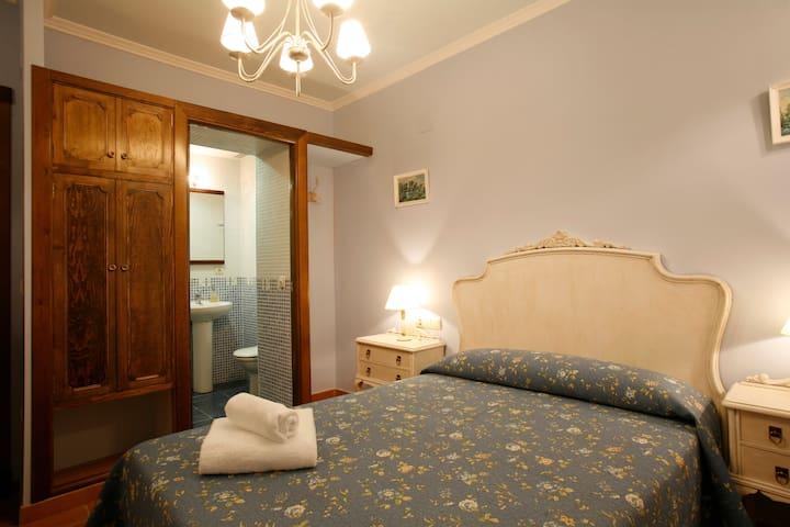 Guest House Felisa private Room Prepirineo Aragon - Santa Eulalia de Gállego - Konukevi