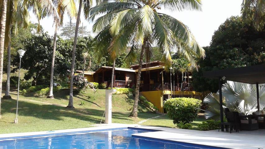 Finca en Santa Fe de Antioquia - Santafé de Antioquia