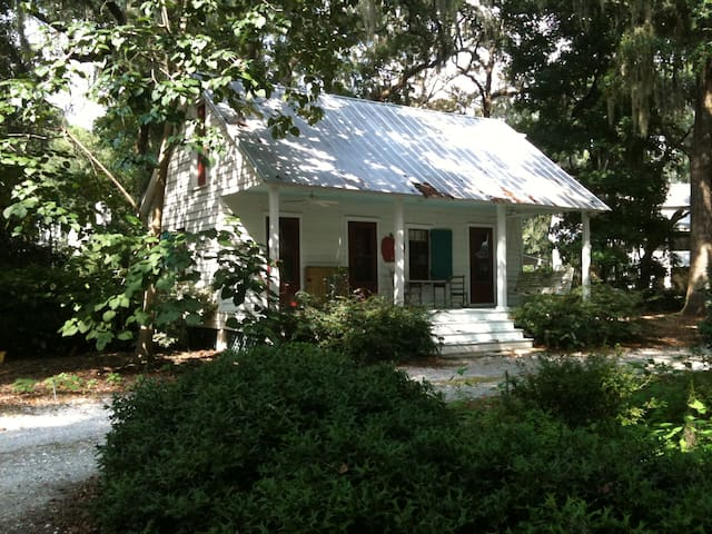Bluffton's Historic  Guest House - Bluffton