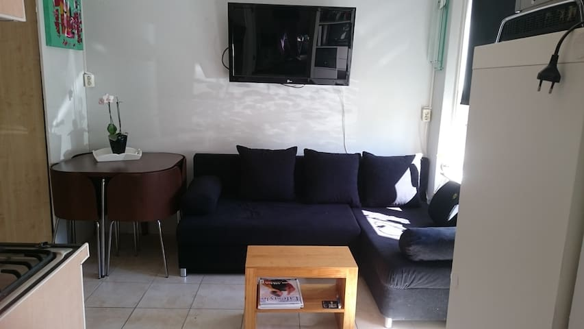 Private Room, kitchen, shower, shared toilet - Almere - Maison