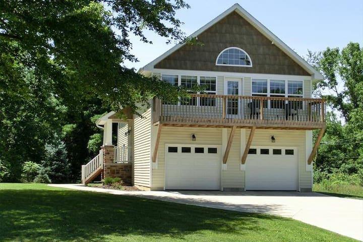 Lake Lorelei Retreat - Fayetteville - Huis