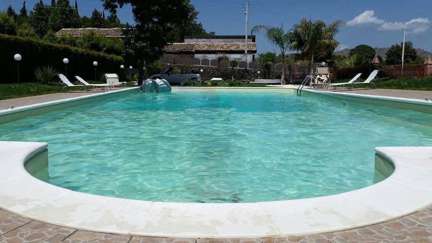 VILLA RELAX SUITE IMPERIAL - Piedimonte Etneo - Villa