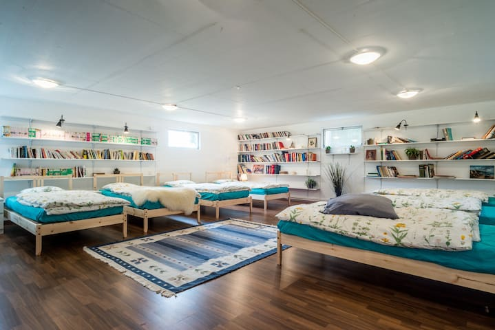 203 Double room and dormitory for 10 people - Etoy - Appartement