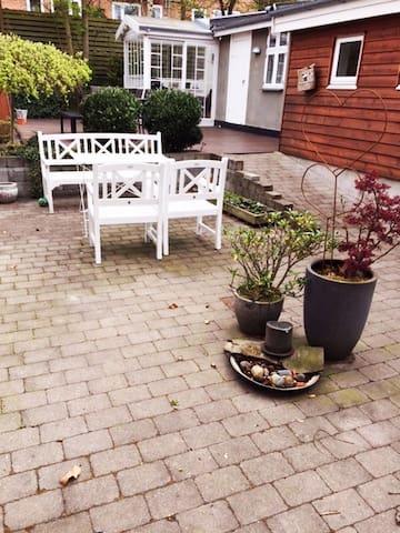 Dejligt byhus til 6 personer, skøn gårdhave - Næstved - Stadswoning