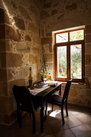 Picturesque traditional stone house - platanos /kissamos.chania - Haus