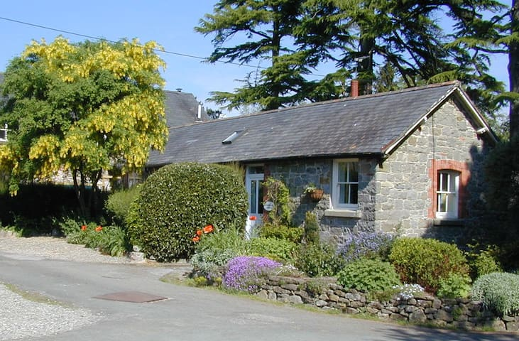 Charming peaceful country cottage. - Oswestry - Дом