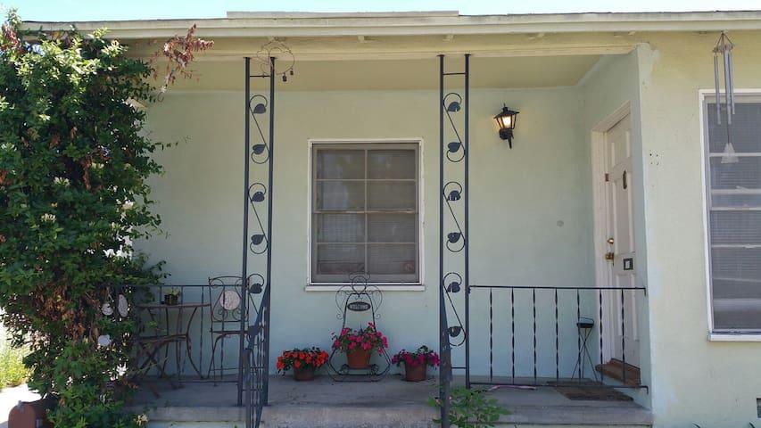 Lakewood home with private room - Lakewood - Leilighet