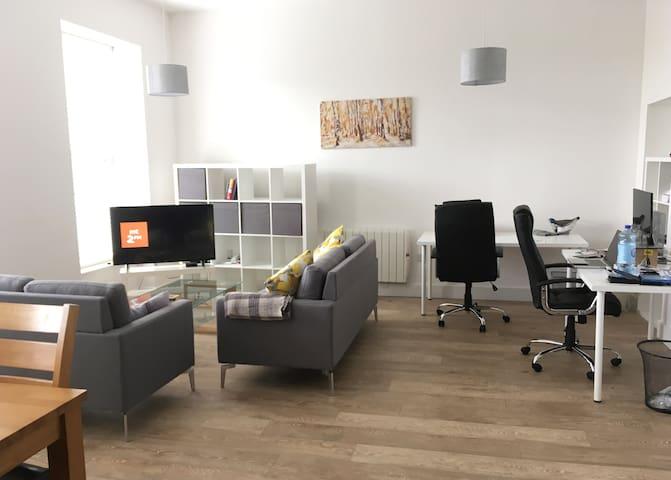 Modern, Luxury, Bright City Centre Apartment - Cork - Lägenhet