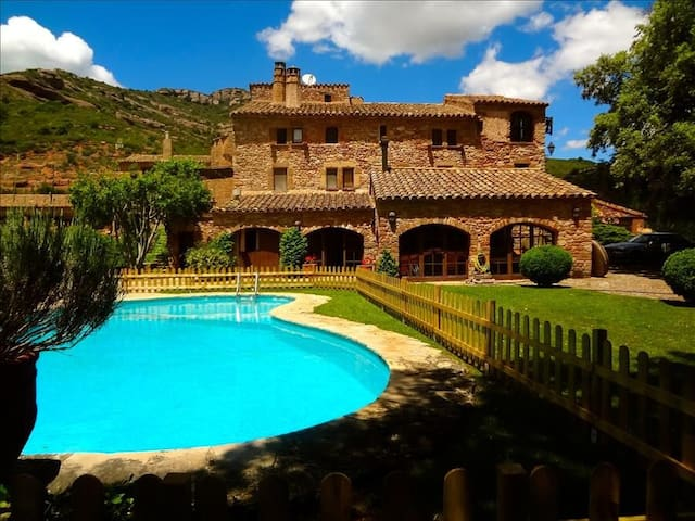 Masia Sant Llorenç for 16 people in the mountains of Barcelona! - Barcelona Region