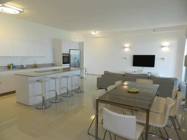 Stunning 5 bed apartment on 21st floor, sea view - Netanya - Pis