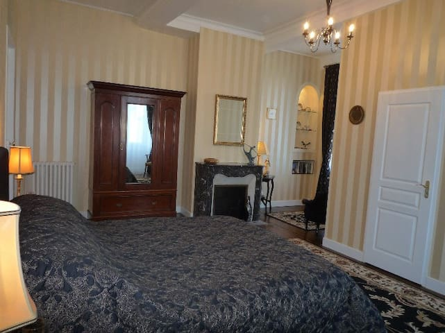 Number 10 B&B/Chambre d'hote - Saint-Goin - Bed & Breakfast