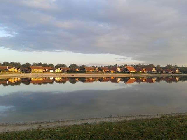Ferienhaus Seepark im Seepark Eiken (Emsland) - Walchum - Hus