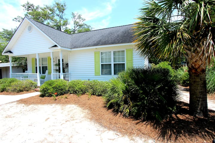Perfect Little Beach Cottage - Oak Island