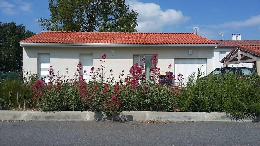Maison très agréable à 30 minutes de Toulouse - Saint-Élix-le-Château - Hus