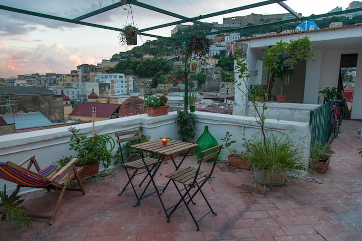 Sophia and Huw's Rooftop Escape - Naples - Loft