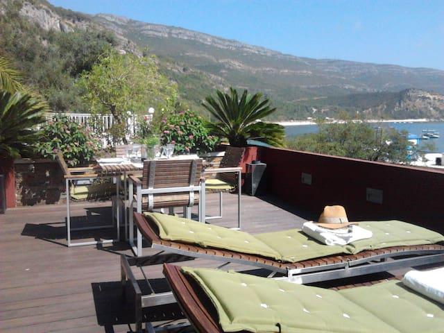 Luxury room meters from the sea! - Portinho da Arrabida - Bed & Breakfast