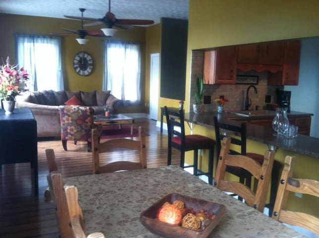 Simplify guest home in Lebanon Ohio - 레바논 - 로프트
