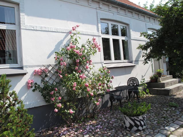 Stort byhus i gamle Ebeltoft - Ebeltoft - Villa
