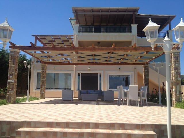 New listing! Luxury beach house - Niforeika - Hus