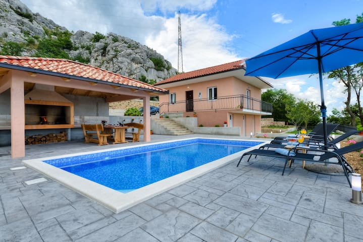 Villa Maria with private pool near Split - Klis