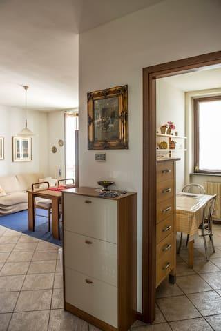 Appartamento luminoso e centrale - Villa Cortese - Appartement