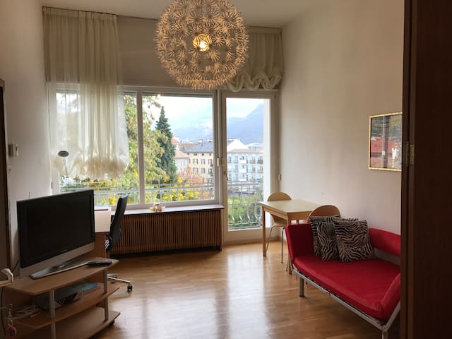 Panoramic apartment in the heart of the city - Bozen - Daire