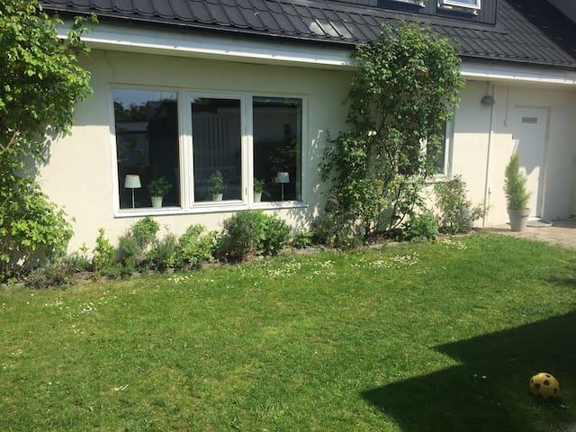 Mimmis Guesthouse! - Malmö - Rumah