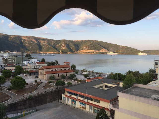 The Best View in Igoumenitsa, Top Floor Apartment - Igoumenitsa