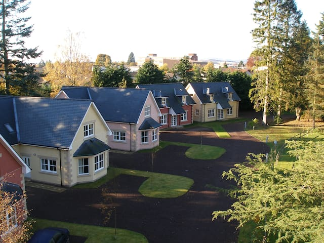 Rosemount Cottage perfect for golfers and families - Blairgowrie