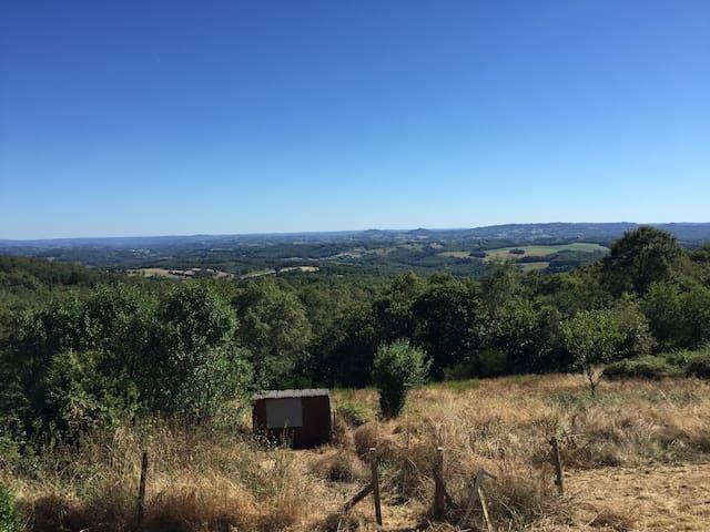 Maison vue imprenable en Correze - Lascaux - Hus