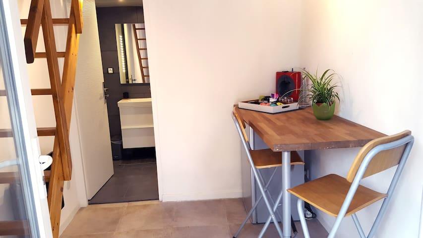 Studio moderne avec terrasse - Vitrolles - Daire