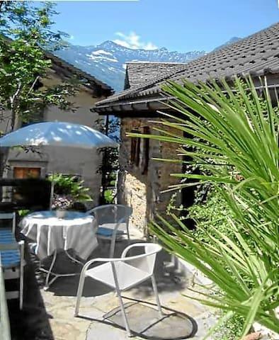 Small cosy ticino mountain house - Sobrio