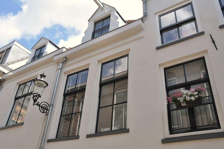 Ruime, frisse woning midden in het centrum - 代芬特爾(Deventer)