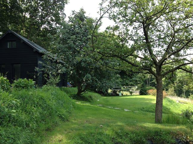 The Garden Hut, charming cottage - Saint-Pierre-de-Cormeilles
