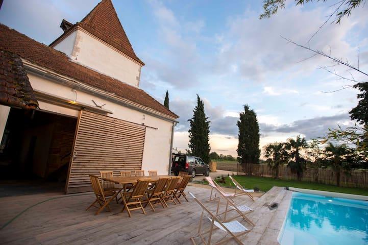 Gîte au bord du Lot avec piscine et grand confort - Fongrave - Casa
