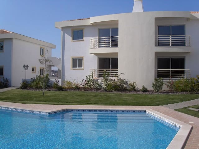 Luxury Apartment in Fantastic Location Near Beach - Guia