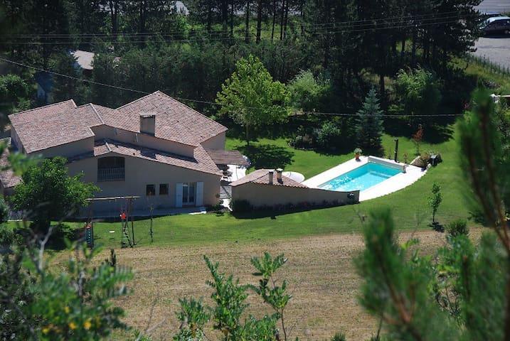 Haut de Villa Calme Garantie Lac/Vol à Voile - La Motte-du-Caire - Appartement
