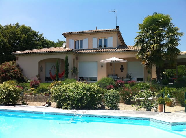 Belle maison de 150 m2 pour 4/5 per - Coutras - Hus