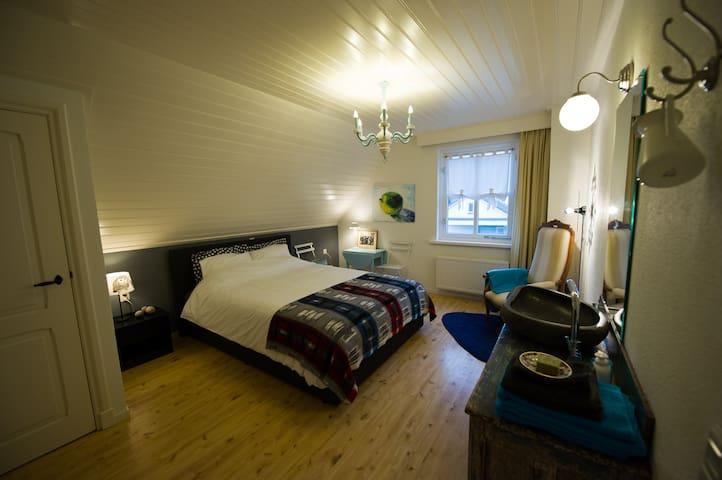 Aan de Burgt nl Burgtkamer - Boekel - Bed & Breakfast
