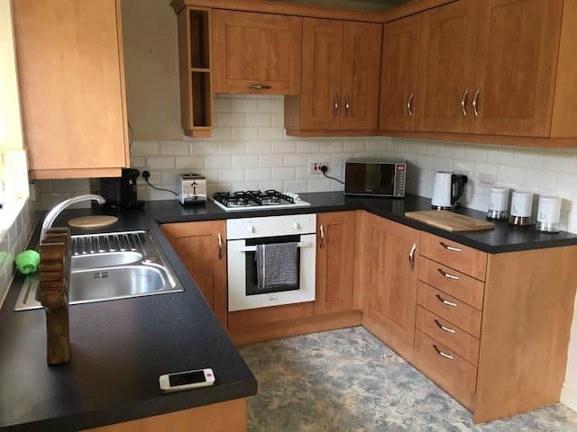 Spacious two bedroom apartment - Blackburn - Leilighet