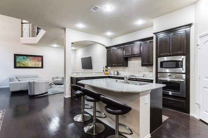(B) Cozy Private Room Near DFW Airport - Euless - Rumah