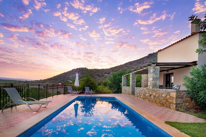 central,beach,mountain,quiet,culture,hotel service - Melidoni - Villa
