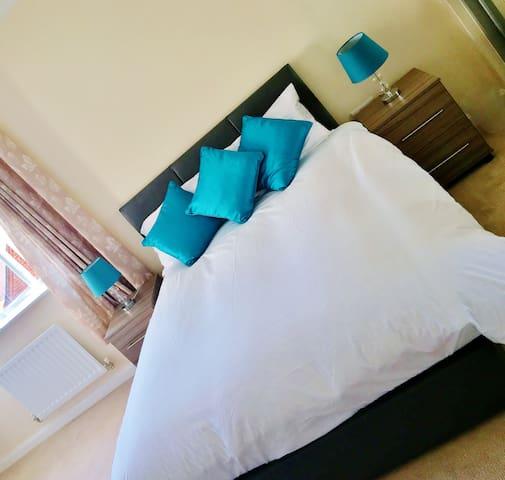 Whitelands Guest House - En-suite Double (Room 2) - Bicester - 獨棟