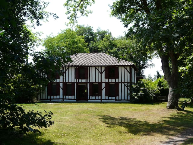 Maison d'hôtes Airial de Nahouns - Sabres - Pension
