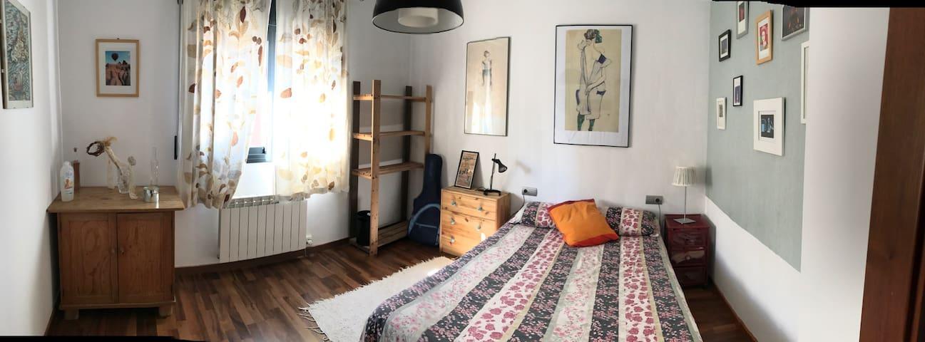Private room in the heart of Catalonia - El Pont de Vilomara - Ev