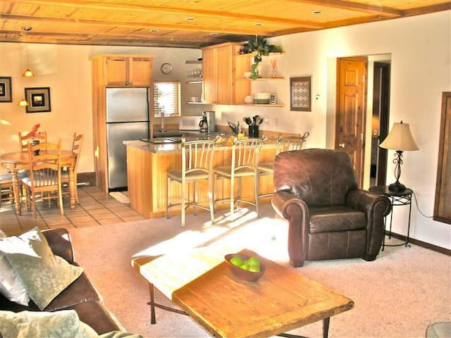 Private King or 2 Twin Room in Vail - Vail - Appartement
