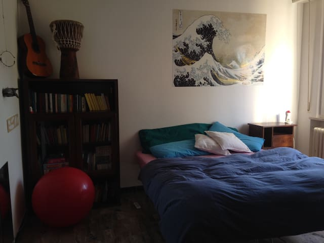 1 Room Queen Bed(+ toddler bed), 1 Room Single Bed - Borgo Santa Maria - Departamento