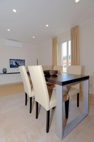 Exotic interior design apartment - Trieste - Lägenhet